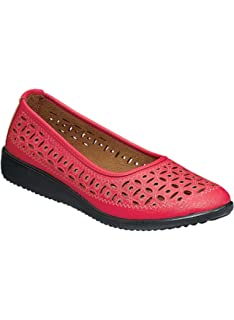 Carol Wright Gifts Perforated Flat Size 7 White Wide
