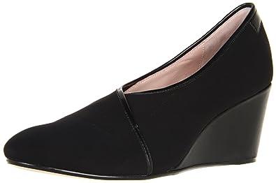 468528eb851 Amazon.com  Taryn Rose Women s Kelby Pump  Shoes