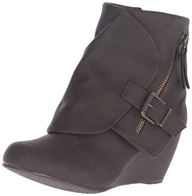 Blowfish Womens Bilocate Ankle Bootie       Brown Texas Polyurethane