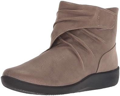 55ebf330fcf CLARKS Women s Sillian Tana Fashion Boot