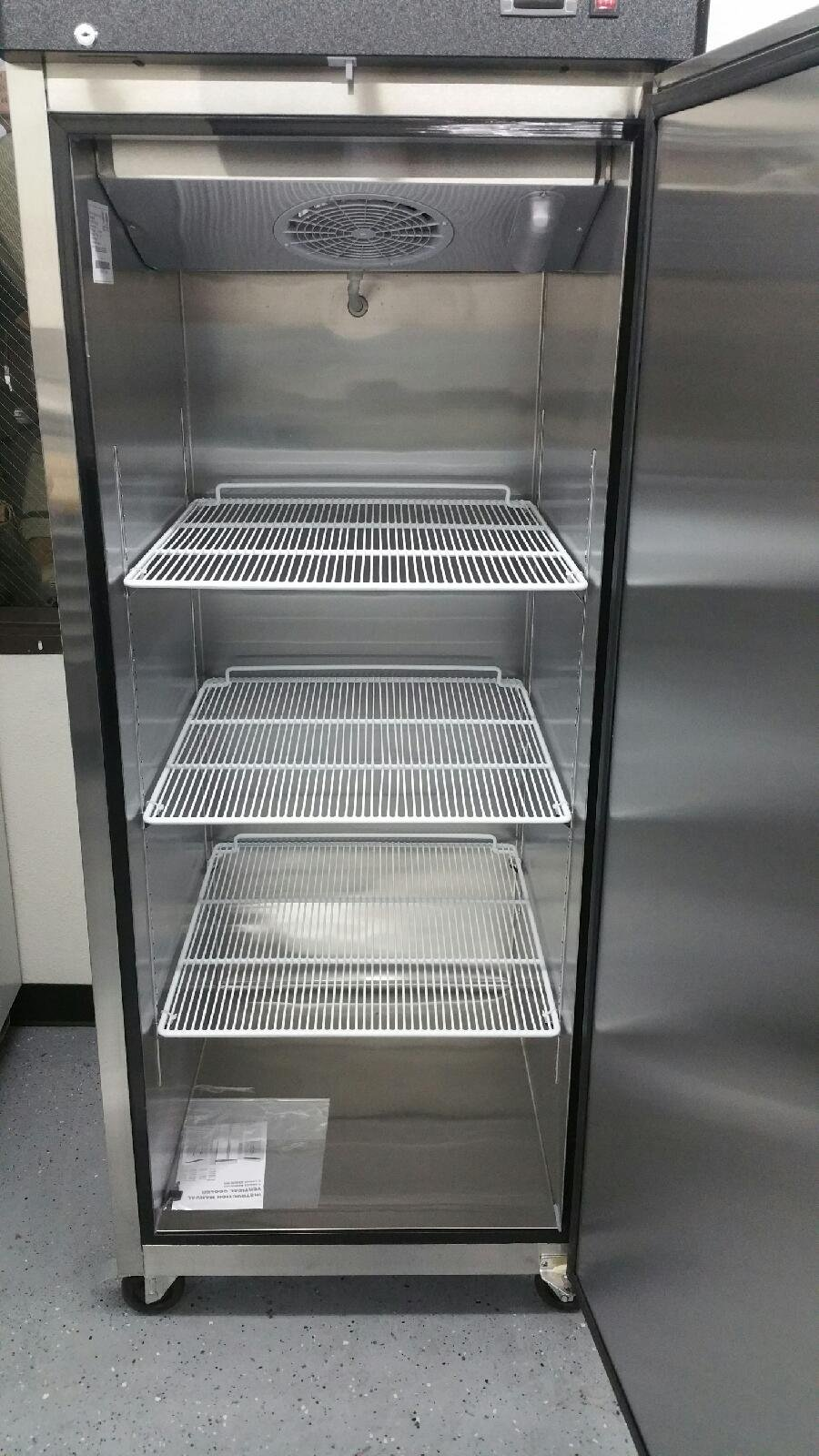29'' Upright Stainless Steel 1 Door Commercial Freezer, 22.6 Cubic Feet, MBF-8001, for Restaurant