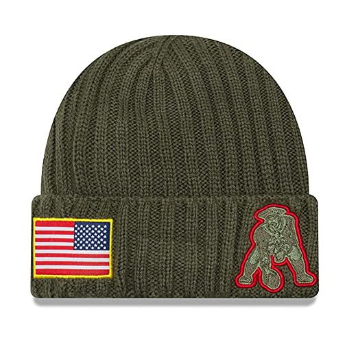 753b9207f264b5 Amazon.com : New Era New England Patriots 2017 Salute To Service Throwback  Logo Knit Hat Beanie : Clothing