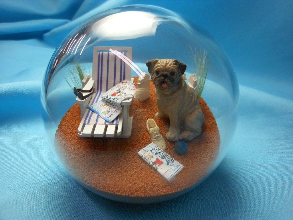Beachball Sandglobe Puppy Dog Sphere, 4 Inch Diameter, Pug Brown by Beachball Sandglobe