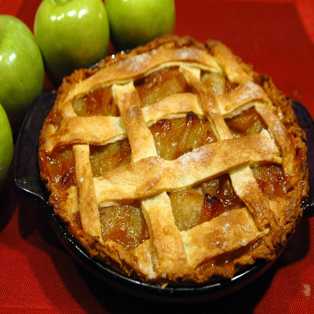 FRESH BAKED APPLE PIE FRAGRANCE OIL - 1 OZ - FOR CANDLE & SOAP MAKING BY VIRGINIA CANDLE SUPPLY - FREE S&H IN USA
