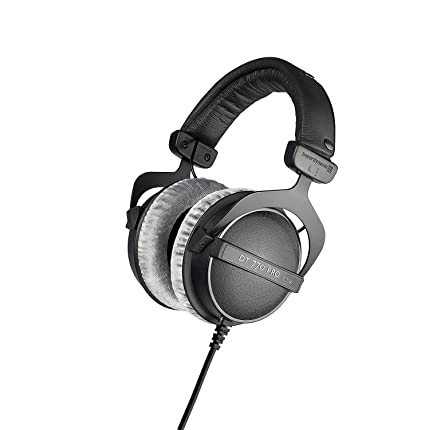 72d8df72ec5 Amazon.com: beyerdynamic DT 770 PRO 80 Ohm Over-Ear Studio Headphones in  black. Enclosed design, wired for professional recording and monitoring:  Musical ...