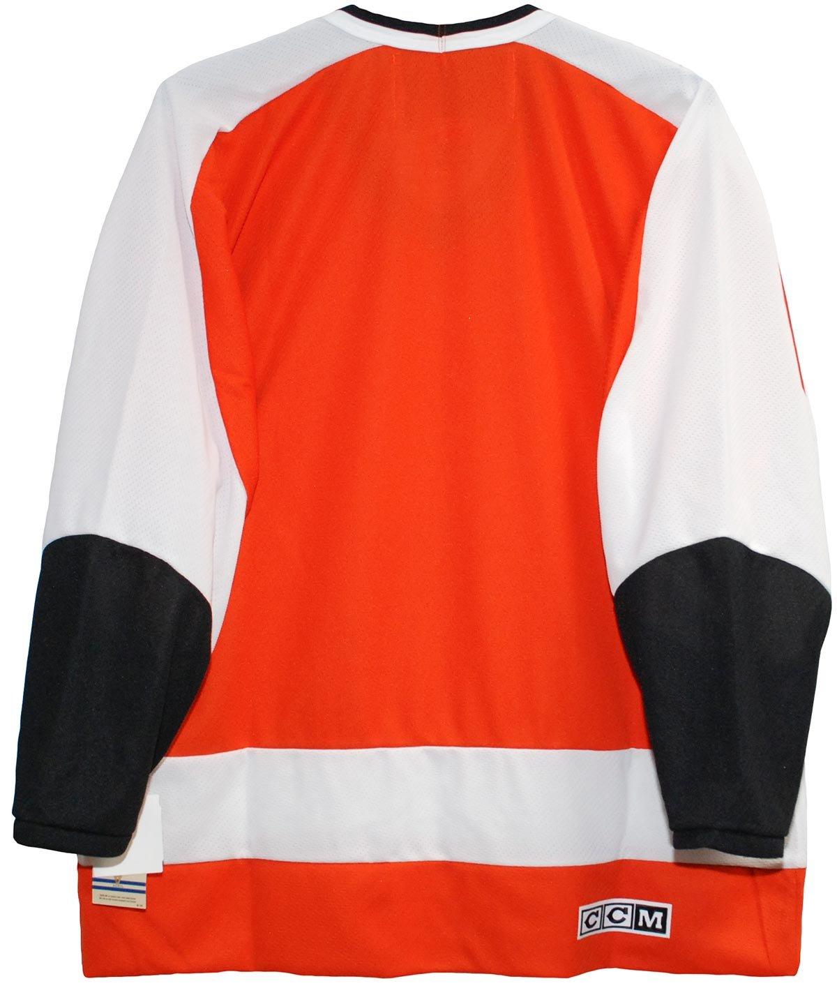 Amazon.com   Vintage Philadelphia Flyers Jersey 1972-1978 (Medium)   Sports    Outdoors 570fb313b