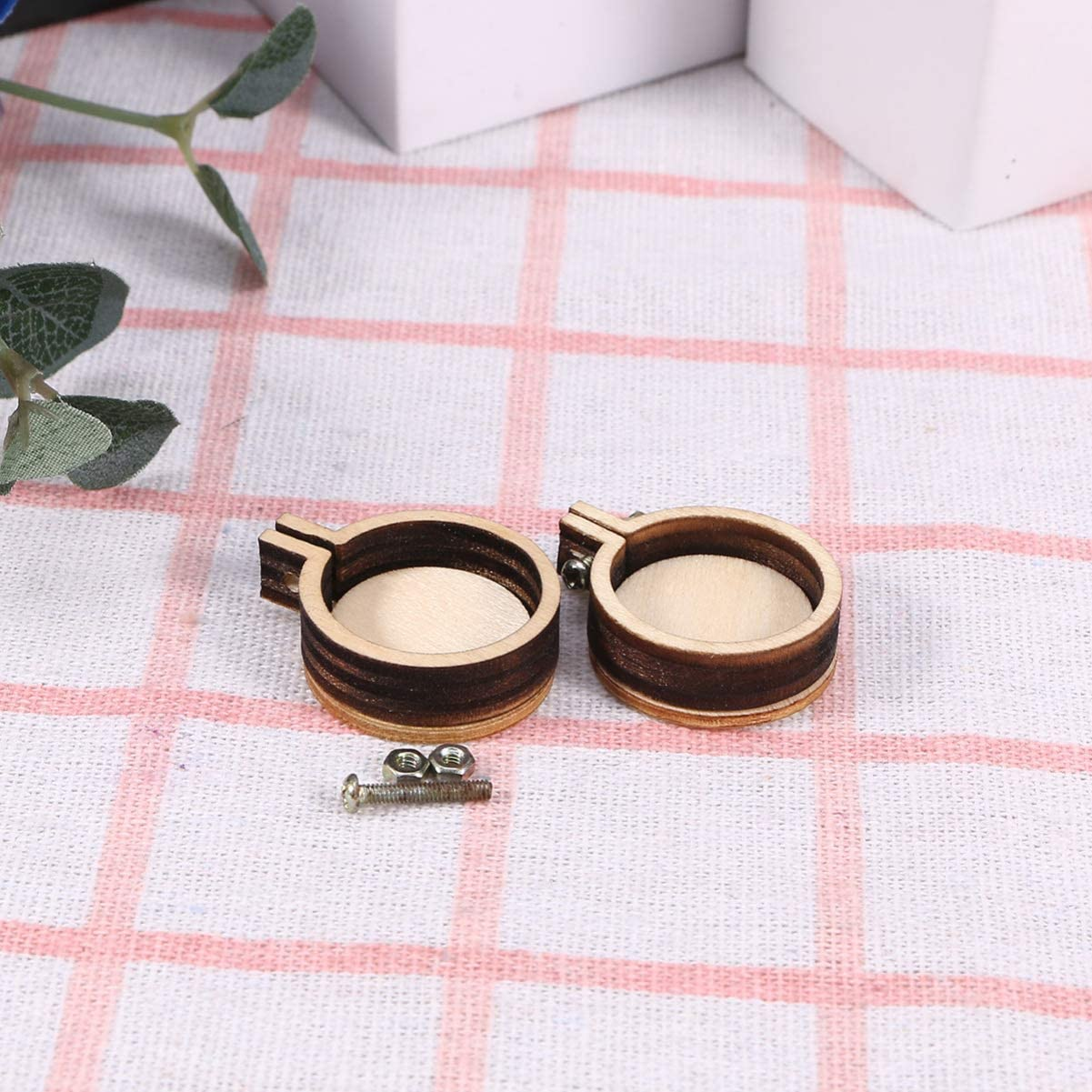 SUPVOX 10pcs Embroidery Hoop Mini Round Cross Stitch Hoop Ring Imitated Wood Display Frame for Art Craft Handy Sewing and Hanging