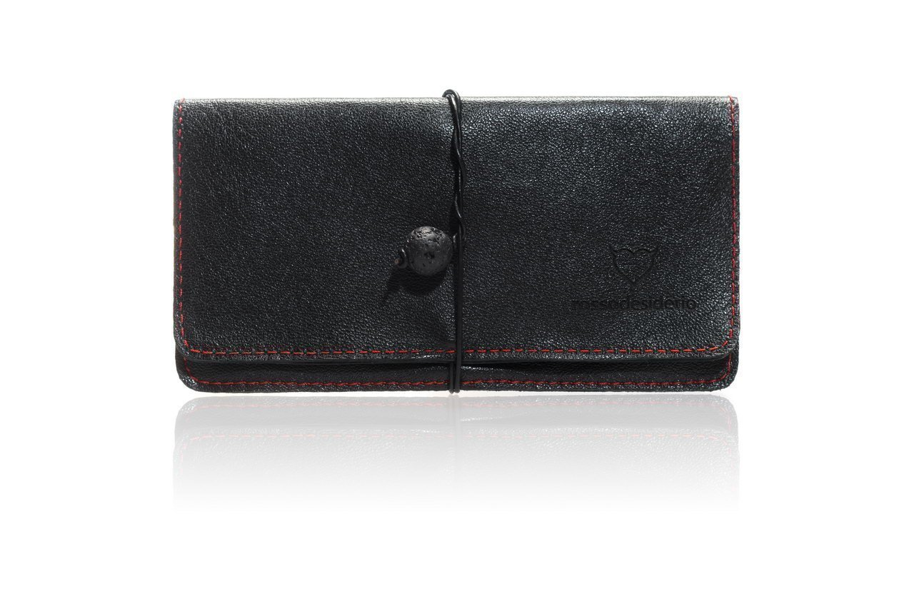 bolsa para tabaco negro con costuras de color rojo cuero genuino con el cordón y la piedra de lava unisex - un presente