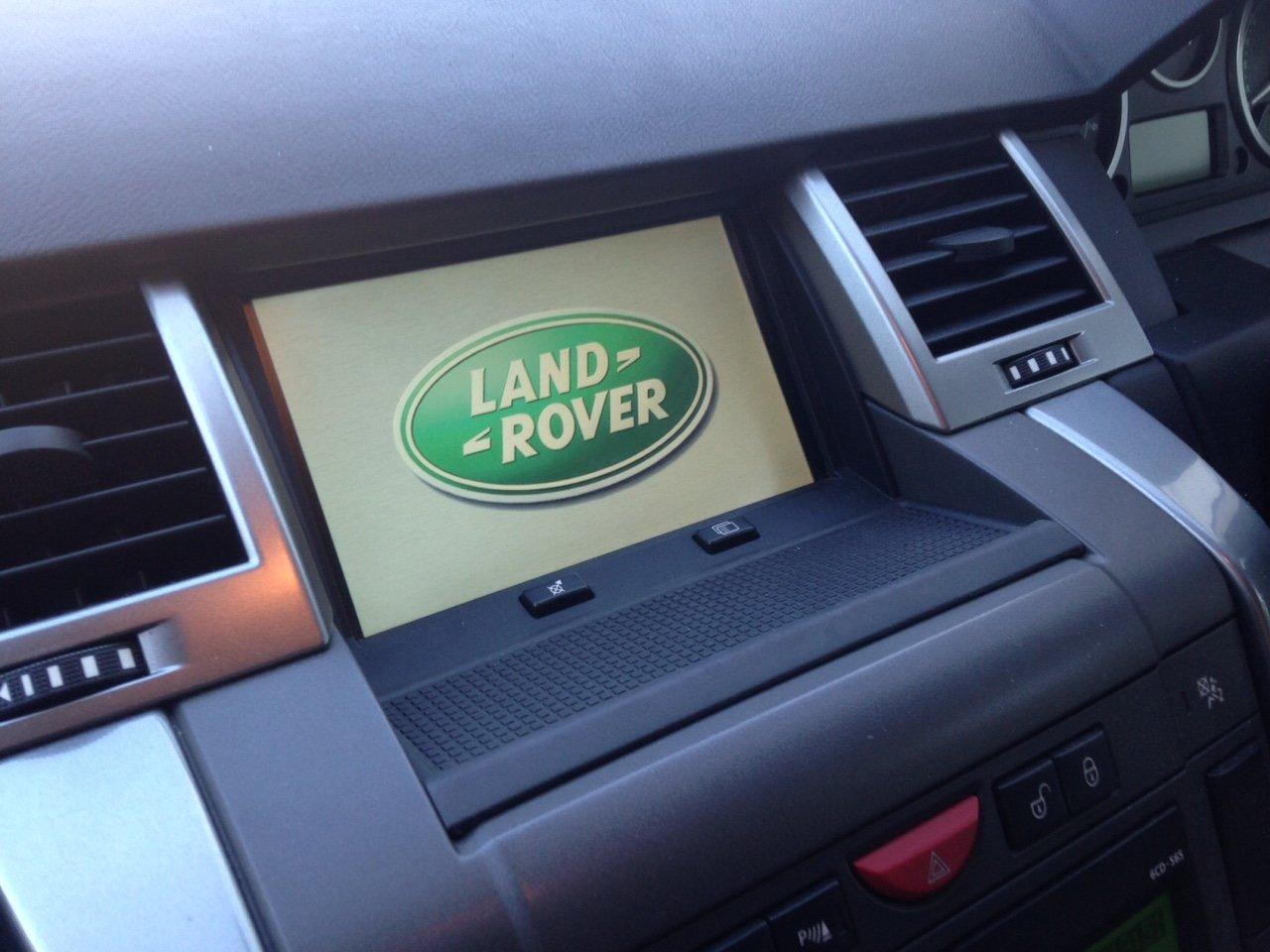 FAH500210  FAH500190 Range Rover Sport Dashboard Rubber Mat for 2005-2009 Models with Navigation