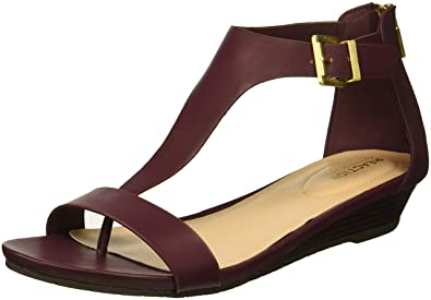 Amazoncom Kenneth Cole Reaction Womens Gal T Strap Low Wedge