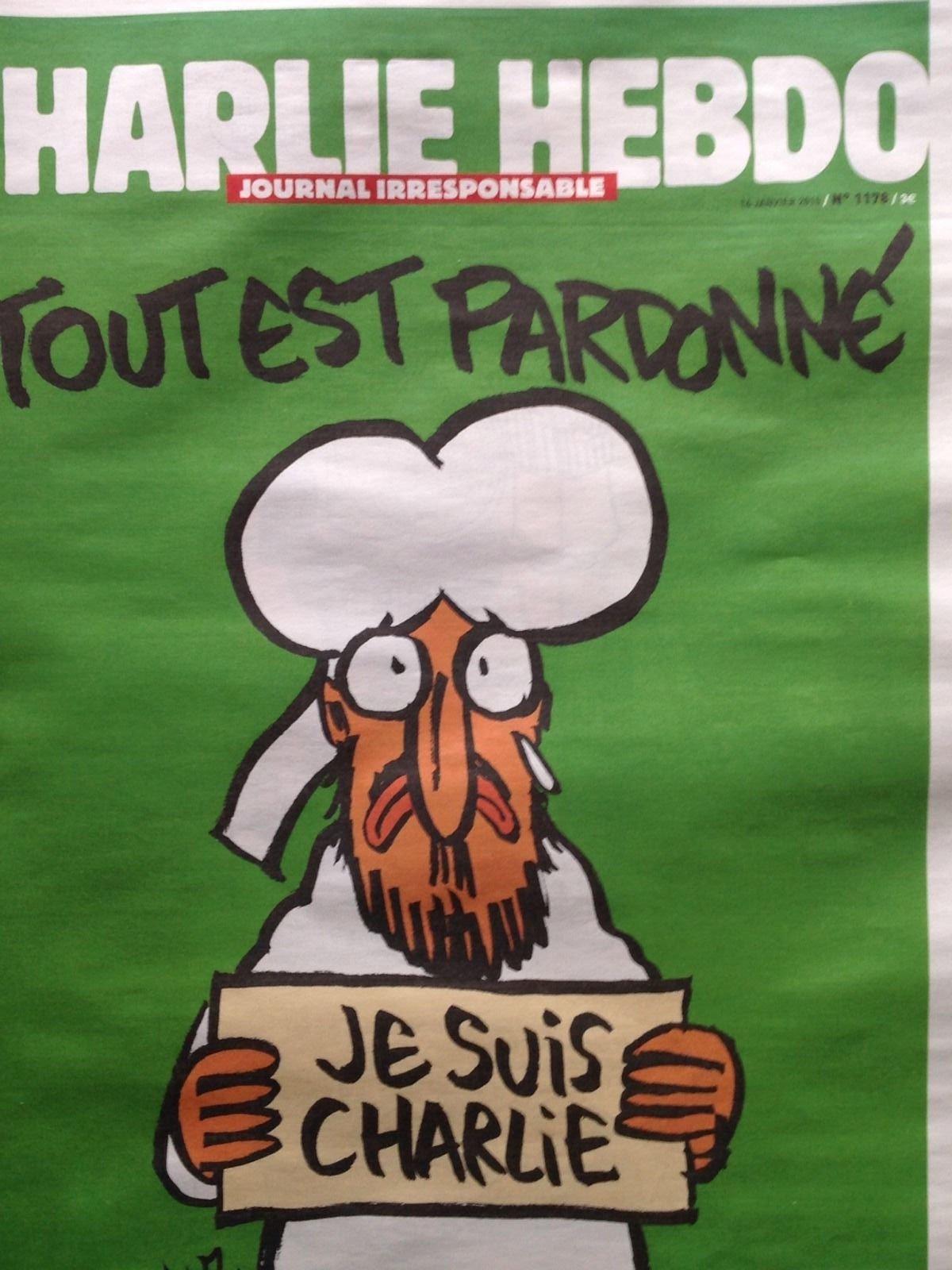 Charlie Hebdo Zeitung Je Suis Charlie Aktuelle Ausgabe 14 01 2015 Amazon De Bucher