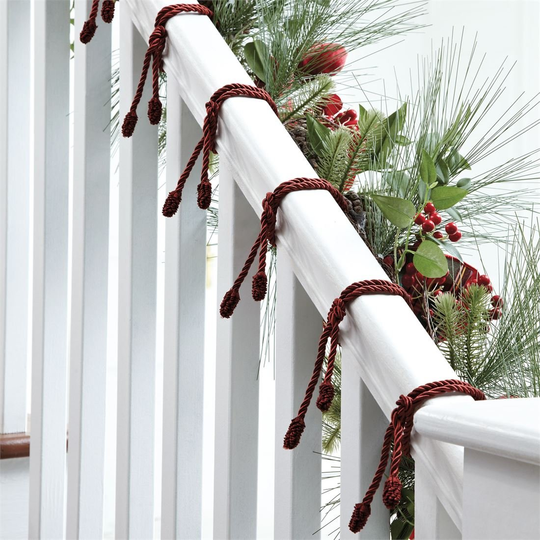BrylaneHome Garland Ties, Set of 6 (Red,0) by BrylaneHome (Image #1)
