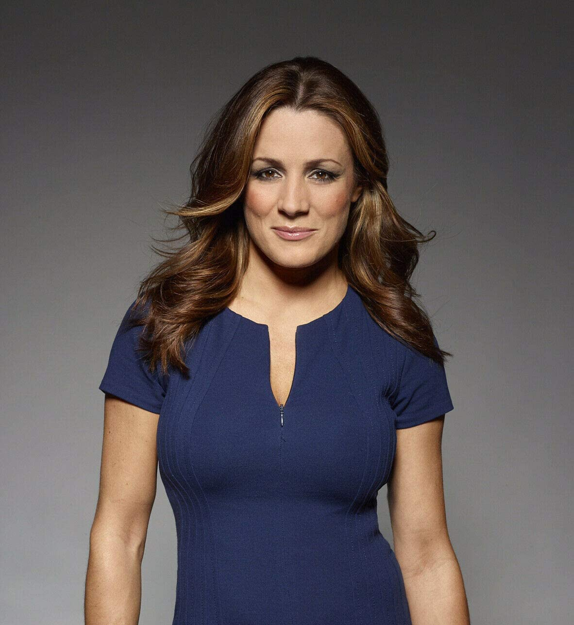bucraft Natalie Pinkham Posing for Phote 8x10 Picture Celebrity Print