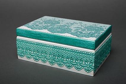 Caja de madera para adornos en tecnica de decoupage