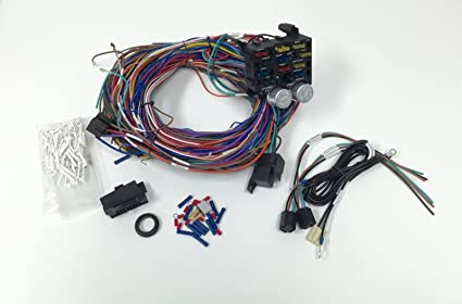 amazon com universal 12v 24 circuit 12 fuse wiring harness wire kit rh amazon com Trailer Wiring Harness GM Turn Signal Wiring