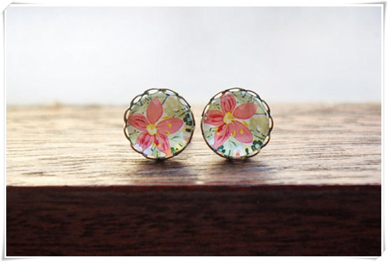 Elf House Coral y pastel verde floral cristal cúpula pendientes de tuerca, pendientes de cabujón, vintage