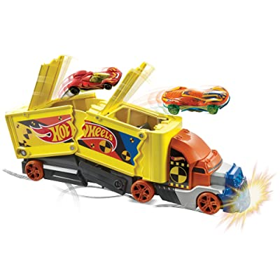 Hot Wheels Crashing Rig: Toys & Games
