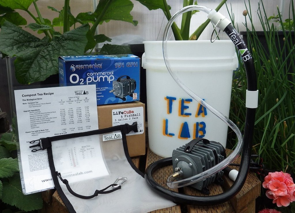 Compost Tea Brewer Kit : 5 Gallon : Bubbles other brewers out of the water by TeaLAB