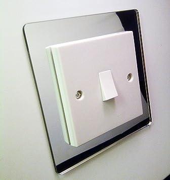Embellecedor decorativo para interruptor hecho de plexiglás acrílico de color plata y con efecto espejo cromado