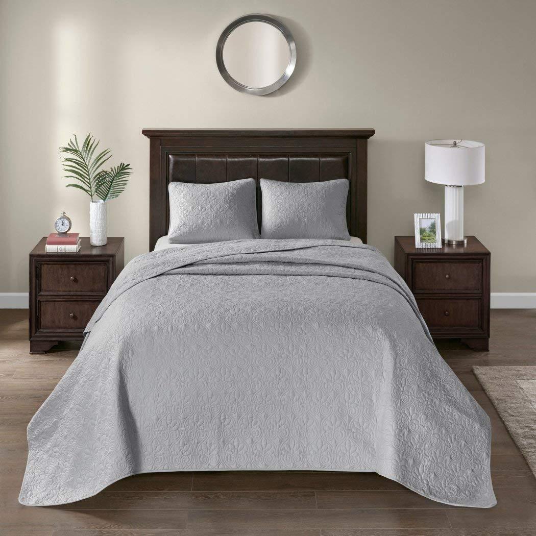 3ピースオーバーサイズグレーキングベッドスプレッドに床のセット、120インチx 118インチ、ライトグレー寝具Drops Overエッジのキングベッド、ポリエステル、スタイリッシュクラシックステッチ、Large Extra Long Wide B01N9ZQ3U8