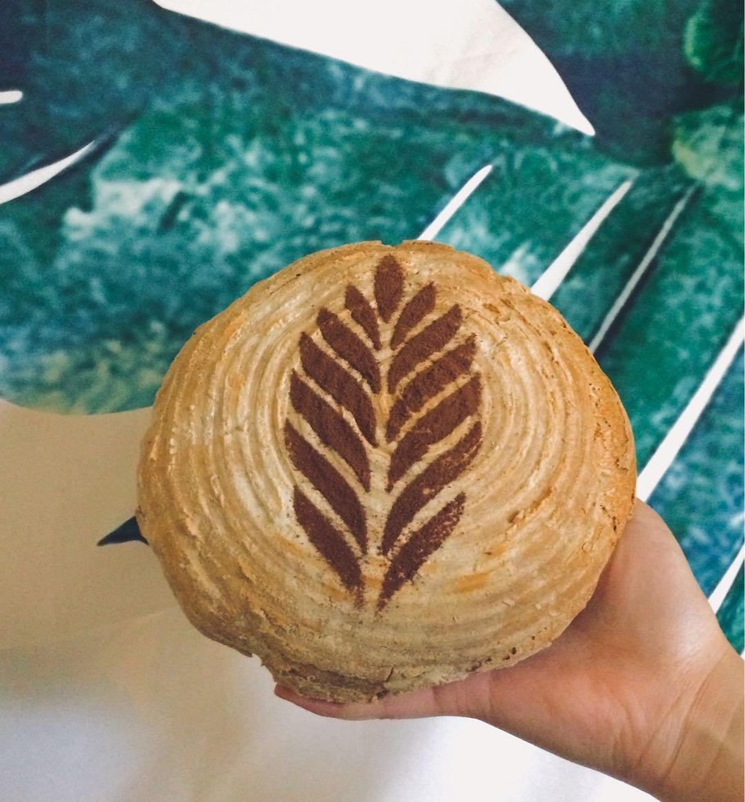 Güden Artisan Bread Kit: 10 inch Banneton Round Blotform Proofing Natural Rattan Basket, Bowl Scraper, Linen Liner, and 4 European Bread Stencils by Güden