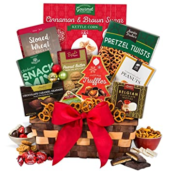 Image Unavailable. Image not available for. Color Christmas Gift Basket Classic™  sc 1 st  Amazon.com & Amazon.com : Christmas Gift Basket ClassicTM : Gourmet Snacks And ...