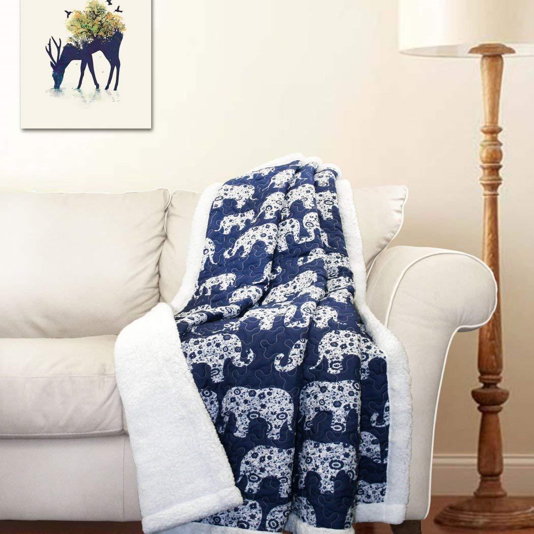 1pc 50 x 60 Navy Elephant Parade Throw Blanket Kids、マイクロファイバー、ホワイト色寝具点線象動物動物園テーマカラフルキルト風平織シェルパ   B0763S7QLK