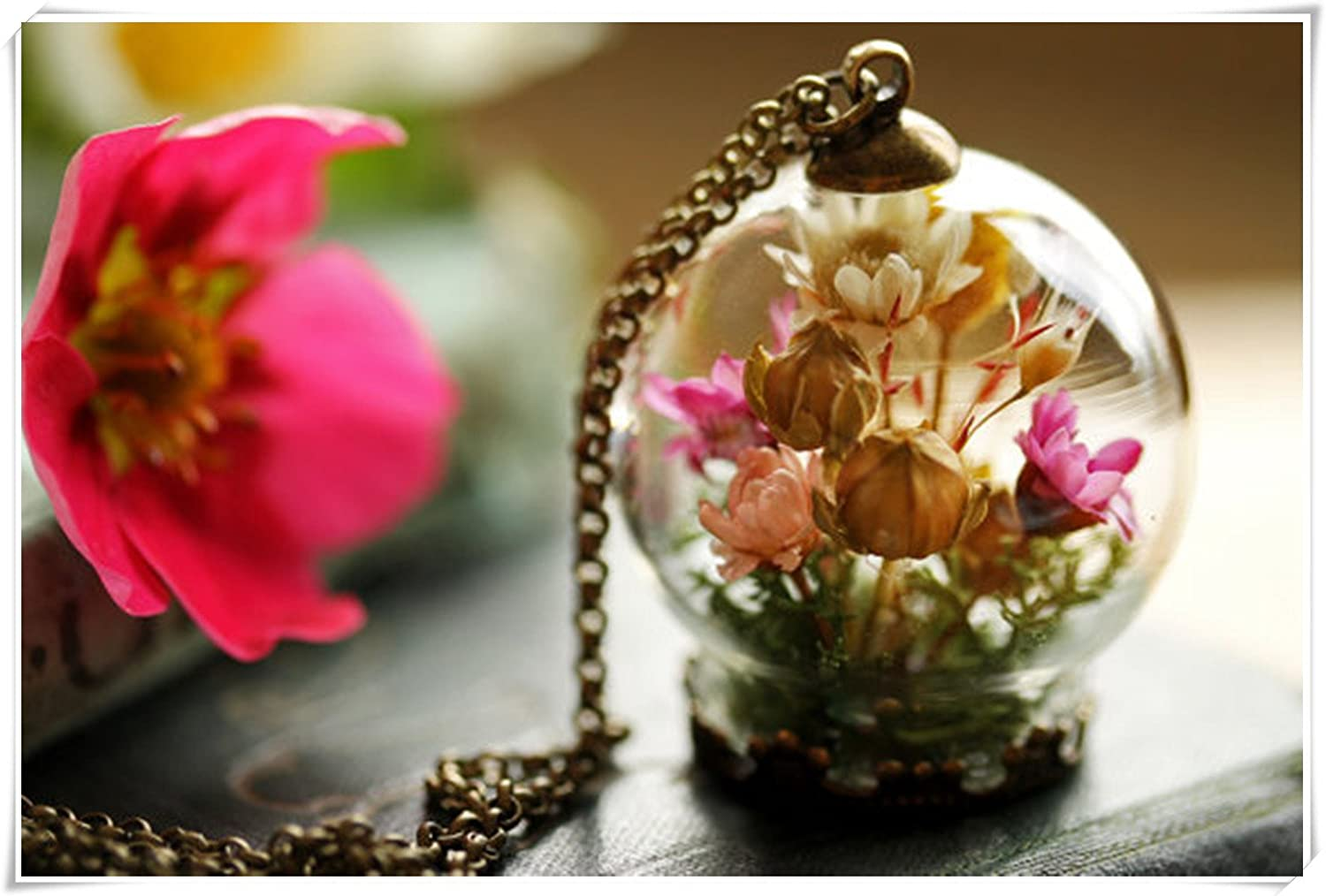 Real flower locket, gifts for her , living locket , shadow box , real plant pendant , dried flowers, moss terrarium cq2