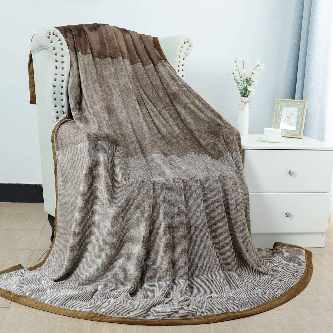 PICCOCASA Flannel Fleece Blanket Full Size Soft Warm Fuzzy Microfiber Plush Blanket Brown Gradient Ombre Blankets for Bed or Couch 70 x 88