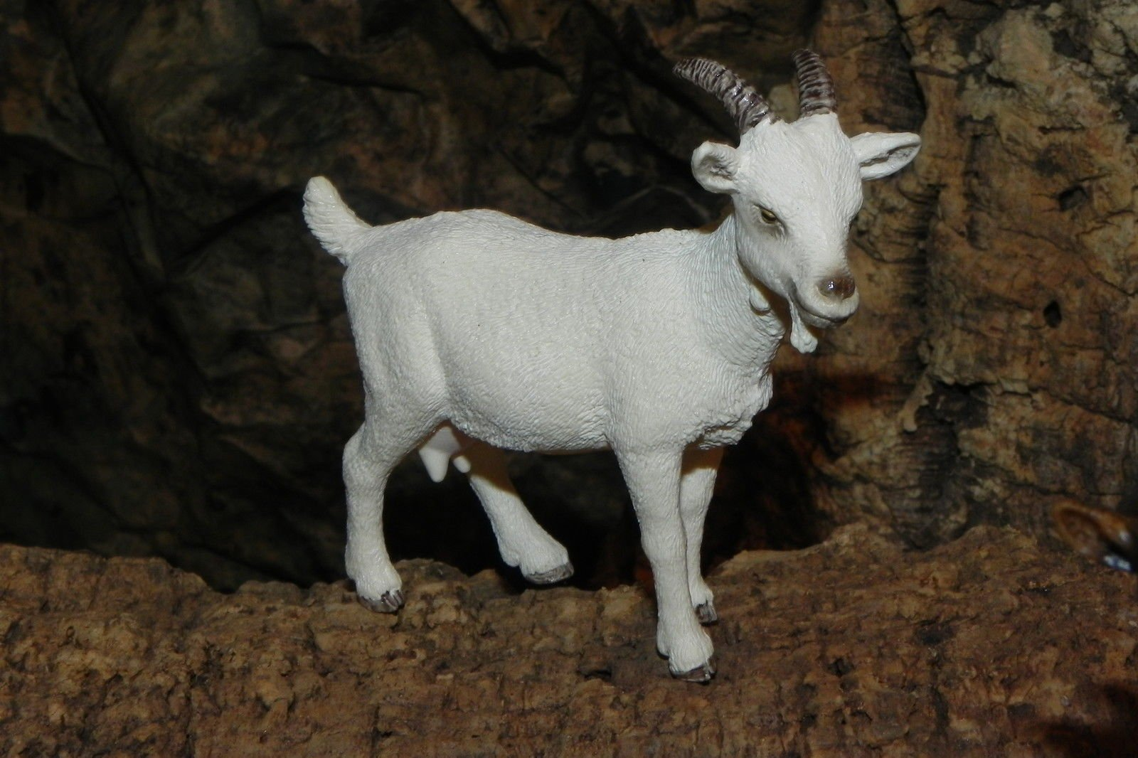 Collectible Figurine Goat Animal Nativity Scene - USA_Mall