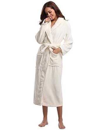 Aibrou Pyjama Femme Polaire Robe Peignoir Pas Cher personnalisé Robe Chambre  Homme Longue Hiver - Blanc 80dd9f7ac636