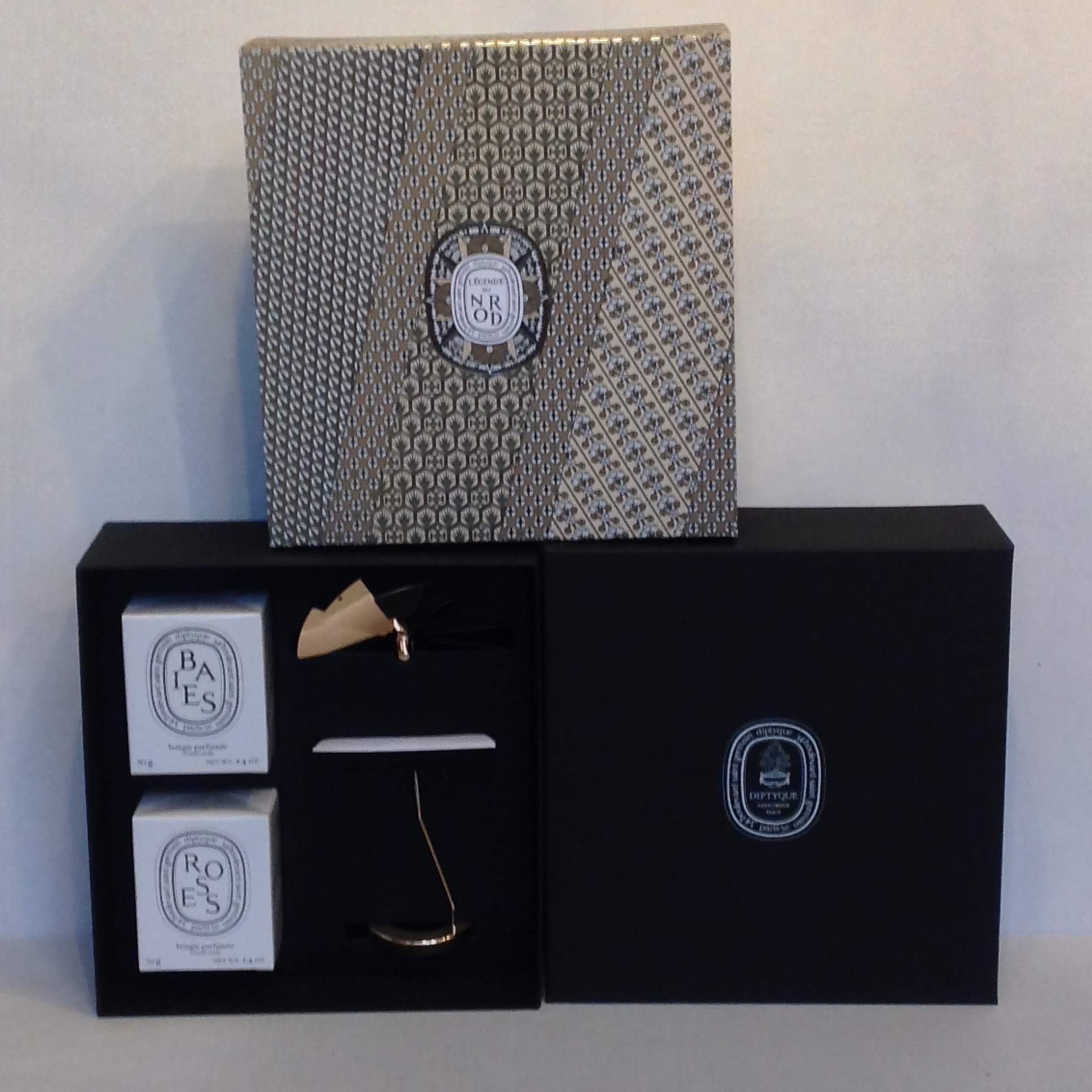 Diptyque Christmas 2018 Carousel Set with Two Candles
