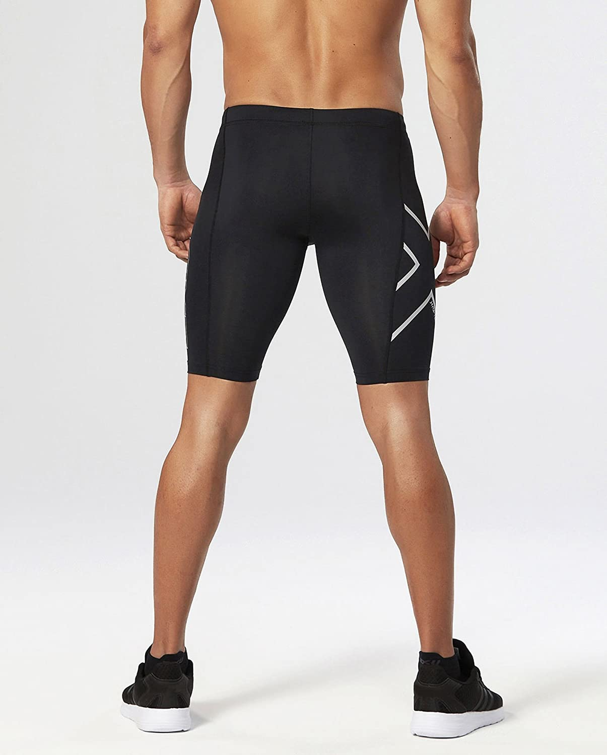 d7b688c8a72f9 Amazon.com: 2XU Men's Hyoptik Compression Shorts: Clothing