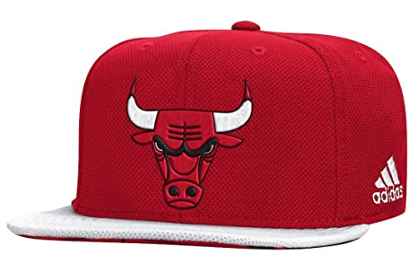34a7df1457b Amazon.com   adidas Mens NBA 2015 Draft Snapback Hat   Sports   Outdoors