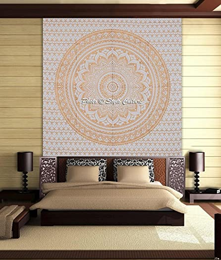 Stylo Culture Throw Mandala Tapestry Cotton Gold White Queen Printed Floral Wall Hanging Decoration Throw Beach Rug, Picnic Rug, Wall Decoration, Room Divider