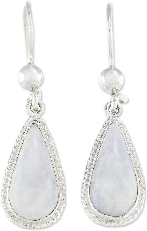 NOVICA Mujeres Lavender Jade y .925 cuelga los pendientes de plata de ley, lavanda Tear'