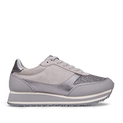 a72b899f0 Tommy H. Metallic Retro Running Diamond Grey FW0FW03337: Amazon.co ...