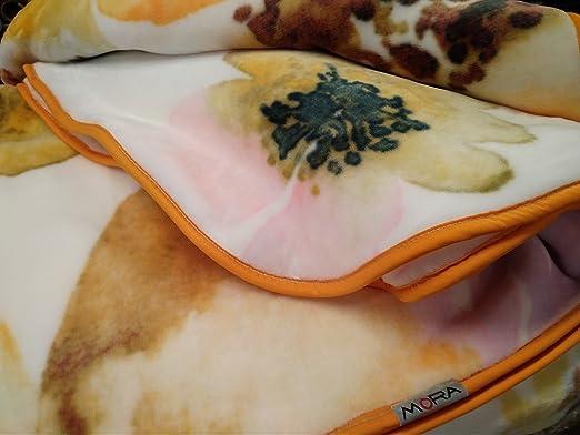 Mora Manta Terciopelo Espectacular Hecha EN ESPAÑA Calida Y Suave 260 X 240 EN Color Crudo D-35: Amazon.es: Hogar