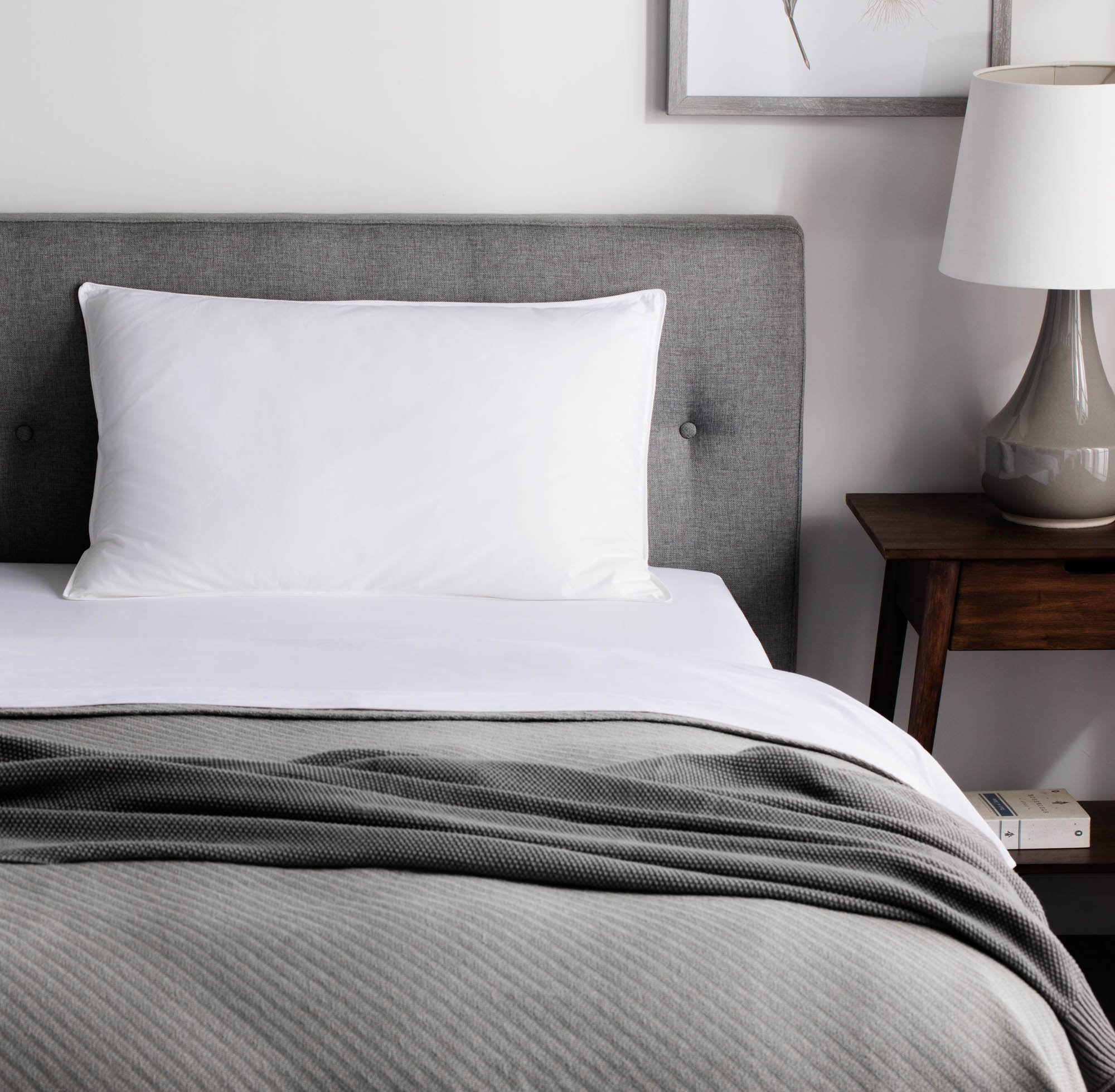 WEEKENDER Down Alternative Hotel Quality 100% Cotton Cover-Soft Hypoallergenic King (1 Single Pillow), White by WEEKENDER