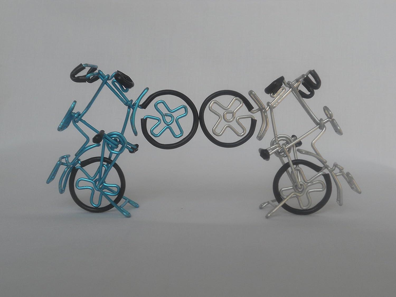 Con para bicicleta para cable, diseño con texto en inglés muestra ...