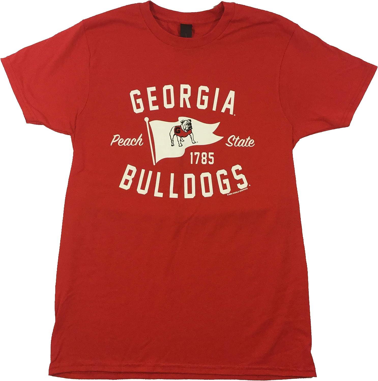 New World Graphics University of Georgia Distressed Standing Bulldog T-Shirt