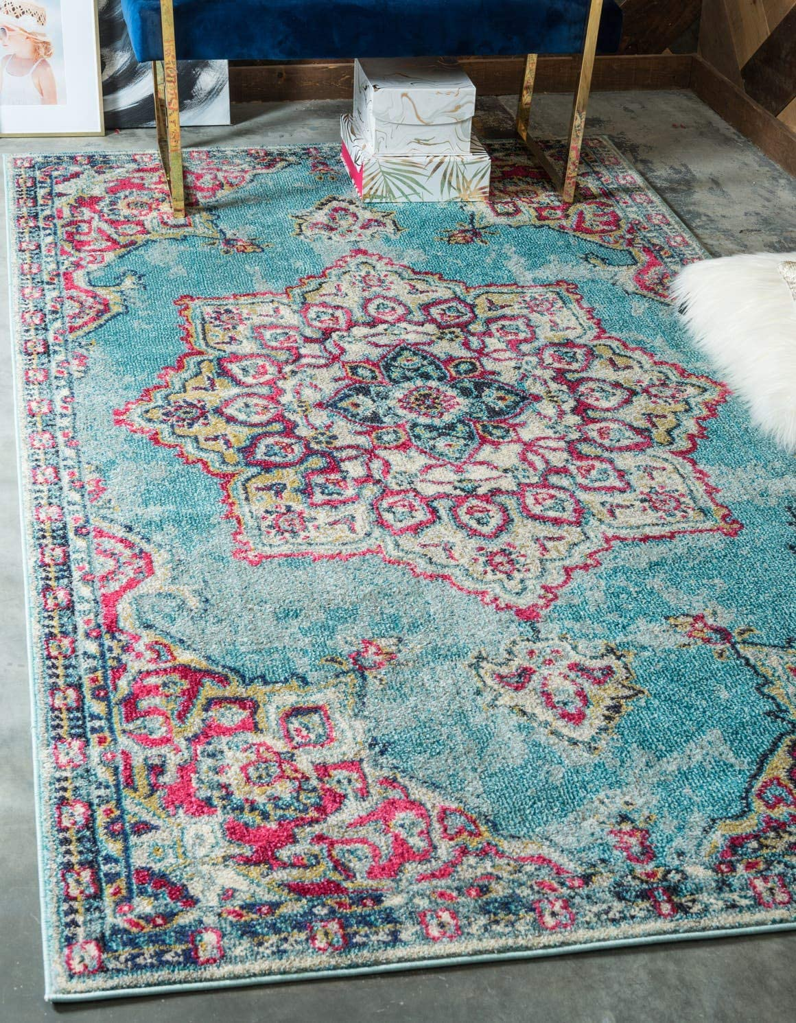 Unique Loom Medici Collection Floral Medallion Traditional Vintage Light Blue Area Rug 9 0 x 12 0