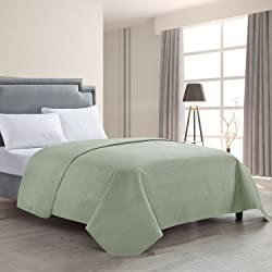 HollyHOME Luxury Quilted Bedspread Set