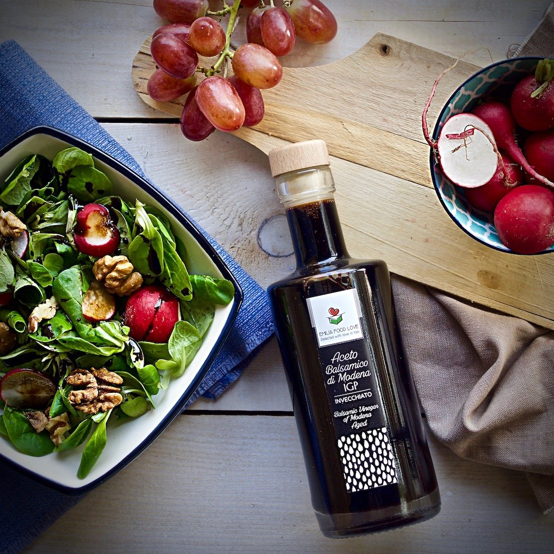 Balsamic Vinegar of Modena IGP AGED - Made in Italy - EMILIA FOOD LOVE - Selected with Love in Italy - Aceto Balsamico di Modena IGP Invecchiato by EMILIA FOOD LOVE (Image #7)