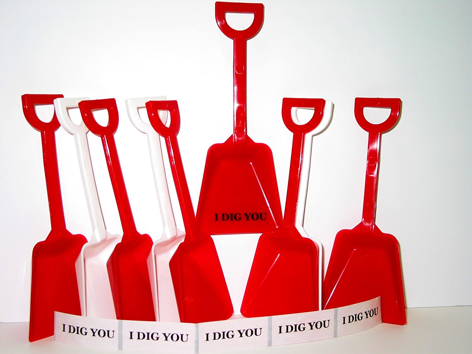 """36  White Toy Shovels  36 /""""I Dig You Stickers/"""" Mfg USA  Valentine/'s Day Special*"""