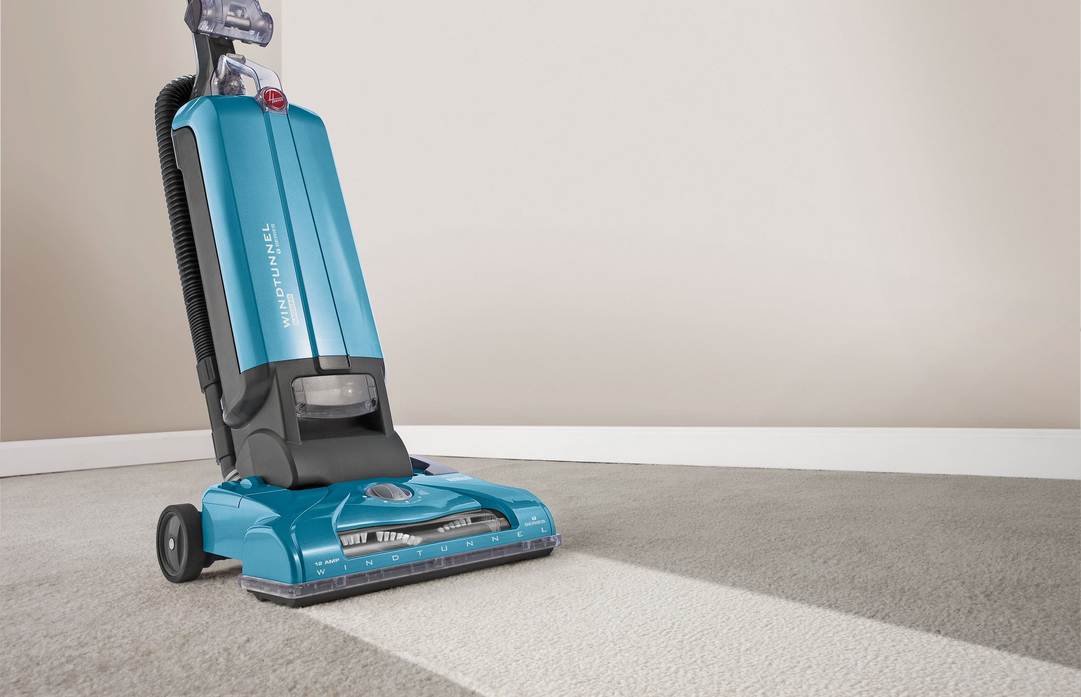 Hoover Vacuum Cleaner T-Series WindTunnel Corded Bagged Upright Vacuum UH30300 by Hoover (Image #4)