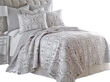 a7a79477c2e Amazon.com  Queen Quilt Set - Essex Shades of Gray Chic Elegance ...