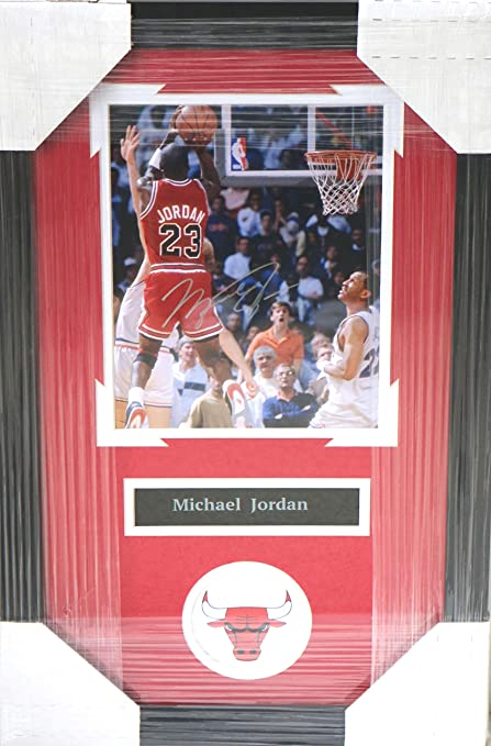 ed1cda0e7da Michael Jordan Chicago Bulls Signed Autographed 22