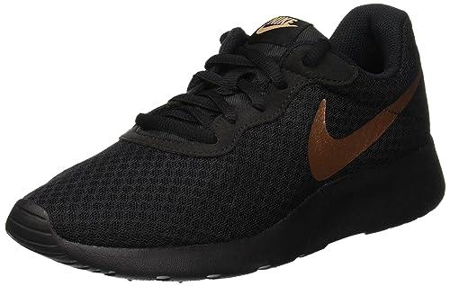 timeless design 2024f 68b62 Nike Wmns Tanjun Scarpe Running Donna  Amazon.it  Scarpe e borse