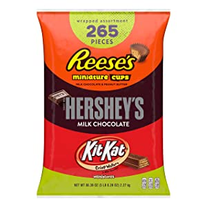 HERSHEY'S, KIT KAT, & REESE'S Bulk Chocolate Candy Variety Pack, 5 Pounds, Fun Size, 265 Pieces